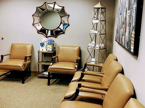 Clean and Safe Waiting Room Chiropractor in Wheaton, IL